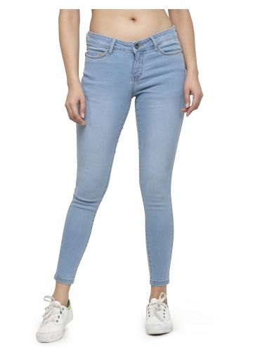 LIVE FIT WOMEN INDOWESTERN COTTON /POLY/LYCRA ,YARN DYED DENIM ICE BLUE