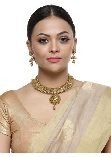 AASTHA WOMEN JEWELLERY GOLDEN NECKLACE SETS